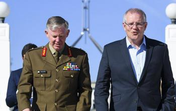 Australian Prime Minister Scott Morrison (right) and Coordinator-General for Drought, Major General Stephen Day arrive for the National Drought Summit at Old Parliament House in Canberra, Friday, October 26, 2018. (AAP Image/Lukas Coch)