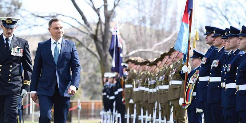 His Excellency Mr Andrzej Duda, President of the Republic of Poland inspects Australia's Federation Guard
